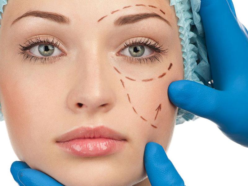 Errori chirurgia estetica: risarcimento danni per cicatrici e operazioni mal riuscite